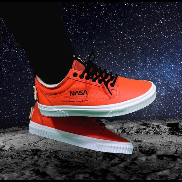 8adc1cec60c88a Vans NASA old skool shoes. M 5c6094978ad2f98ecb3a3bd0